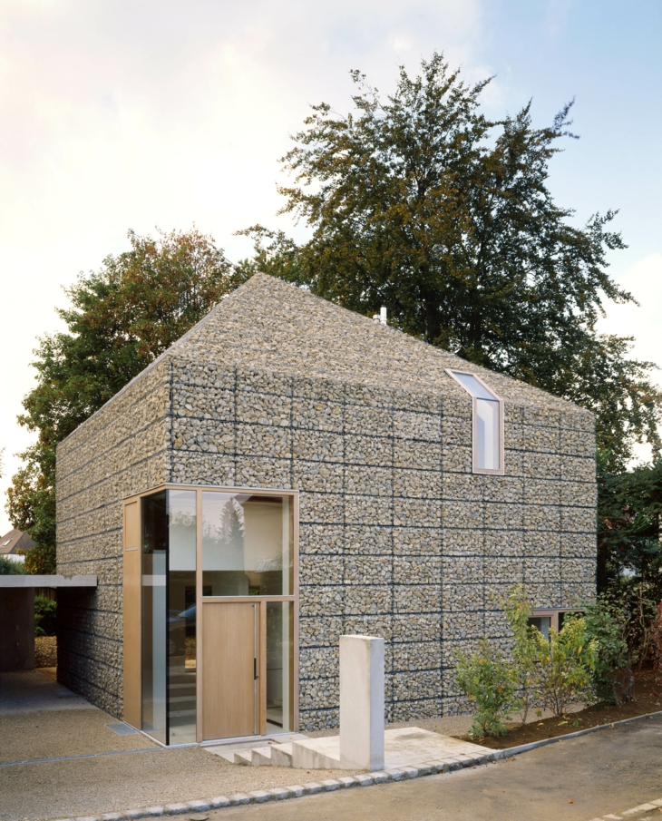 gabion-wall-house